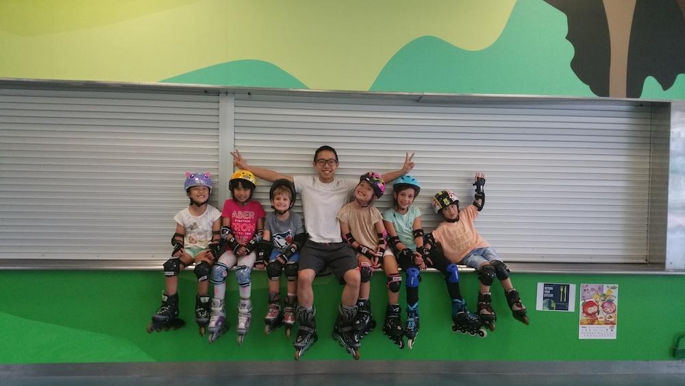 Hockey Life 兒童滾軸溜冰或冰上曲棍球班